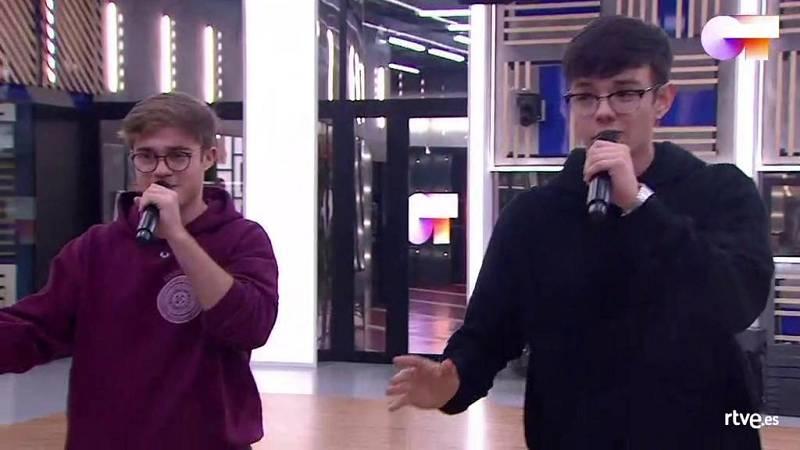 """Gèrard y Flavio cantan """"Never Gonna Give You Up"""", de Rick Astley, en el primer pase de micros de la Gala 7 de Operación Triunfo 2020"""