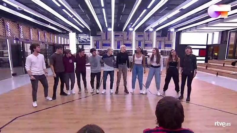 "OT 2020 canta ""Waka Waka"", de Shakira, en el primer pase de micros de la Gala 7 de Operación Triunfo 2020"