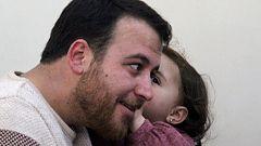 Turquía le concede el permiso de residencia a la niña siria que se reía de las bombas