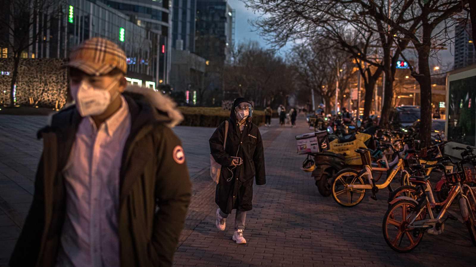 Desciende el número de fallecidos por coronavirus en China
