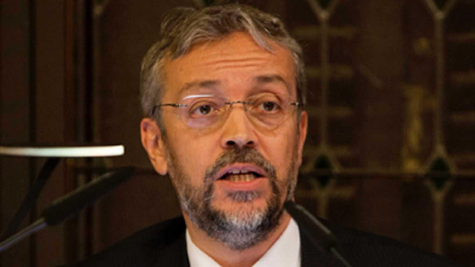 Cs tuvo a sueldo como asesor a un miembro de la Junta Electoral Central que votó recursos interpuestos por el partido