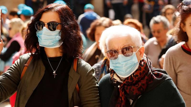 Las personas mayores de 70 años o con diversas patologías, las de más riesgo por el coronavirus