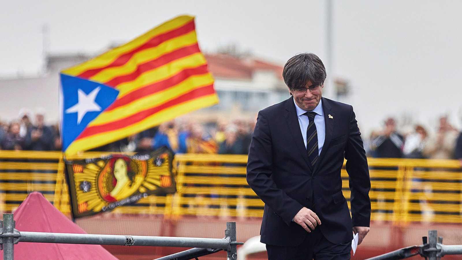 Puigdemont se da un baño de masas en Perpiñán