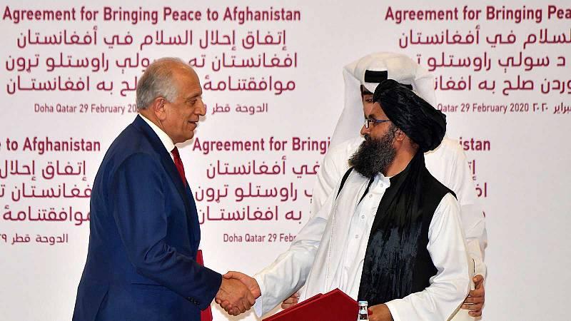Estados Unidos y los talibanes firman un acuerdo histórico para la retirada de tropas de Afganistán en 14 meses