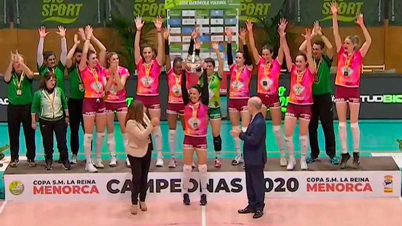 El Logroño conquista su sexta Copa de la Reina de voleibol