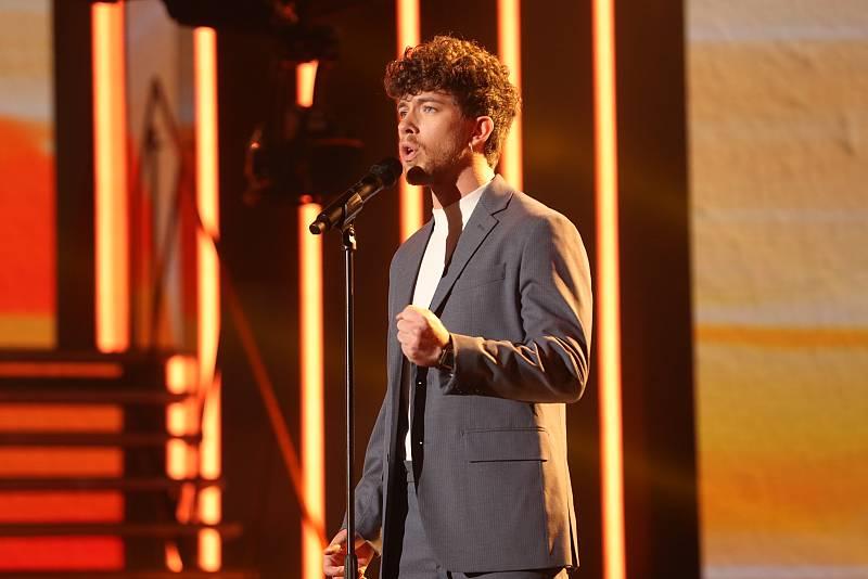 """Jesús canta """"Sábado por la tarde"""",de Claudio Baglioni (versión de Sergio Dalma), en la Gala 7 de OT 2020"""