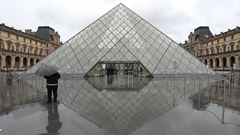 Los trabajadores del Louvre deciden cerrar el museo por el coronavirus