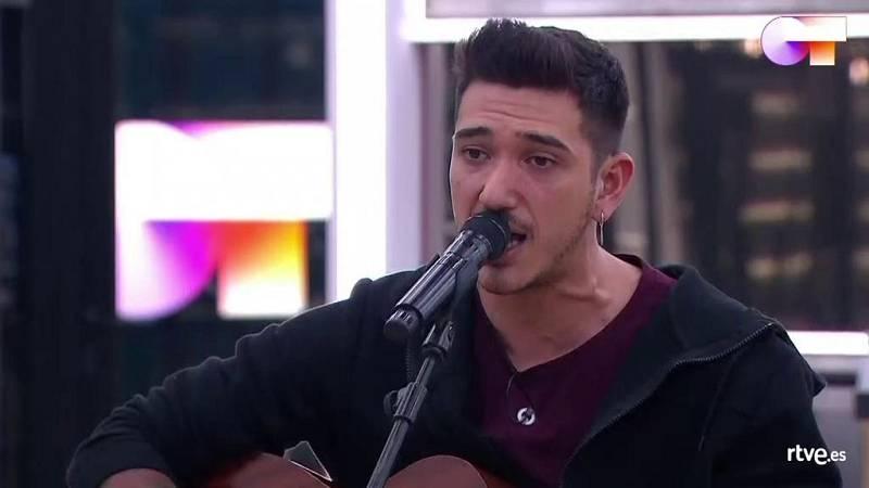 """Bruno canta """"La puerta violeta"""", de Rozalén, en el primer pase de micros de la Gala 8 de Operación Triunfo 2020"""