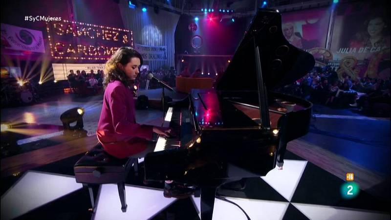 Alice Wonder al piano con 'Bajo la piel'