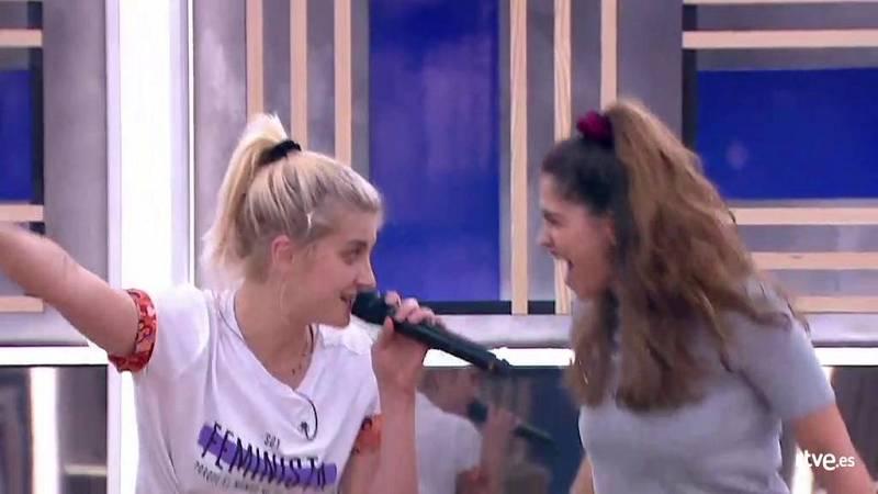 """Anajú y Samantha cantan """"Girls Just Wanna Have Fun"""", de Cindy Lauper, en el segundo pase de micros de la Gala 8 de Operación Triunfo 2020"""