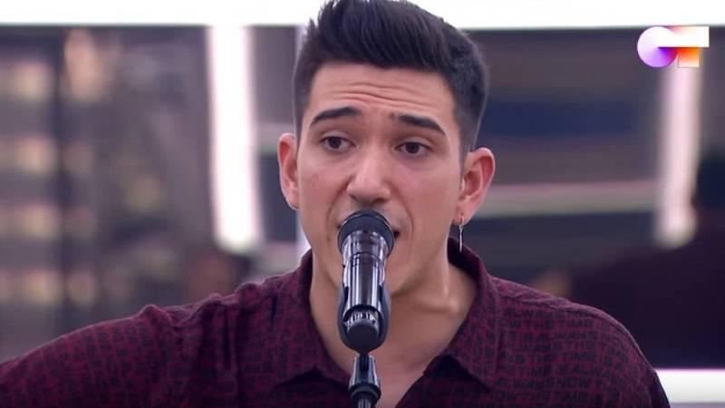 """Bruno canta """"La puerta violeta"""", de Rozalén, en el segundo pase de micros de la Gala 8 de Operación Triunfo 2020"""