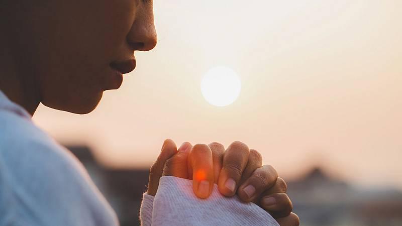 Informe Semanal - Iguales ante Dios - ver ahora