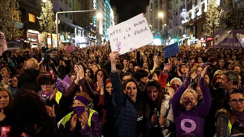 Madrid se tiñe de morado en el Día de la Mujer