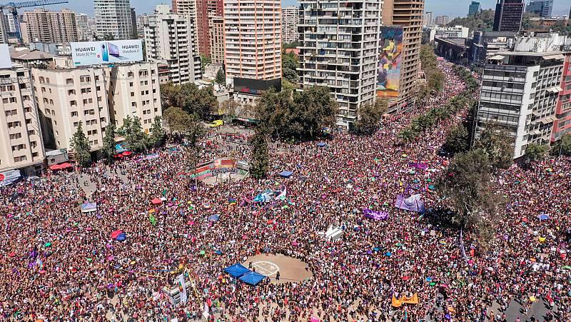 Mujeres de todo el mundo toman las calles para alzar la voz en el Día Internacional de la Mujer
