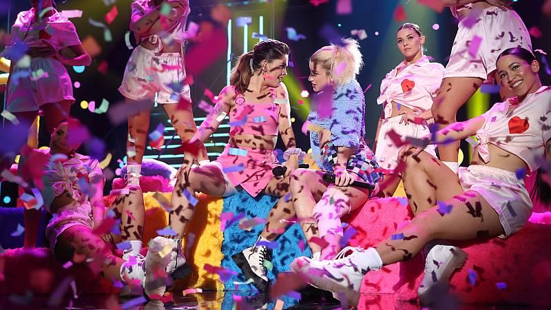 """Anajú y Samantha cantan """"Girls Just Want To Have Fun"""", de Cindy Lauper, en la Gala 8 de Operación Triunfo 2020"""