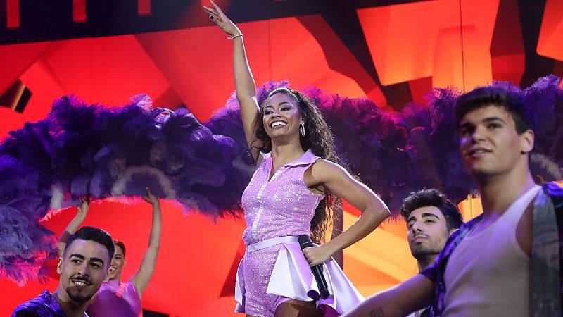 """Nia canta """"Mujer latina"""" de Thalía, en la Gala 8 de Operación Triunfo 2020"""