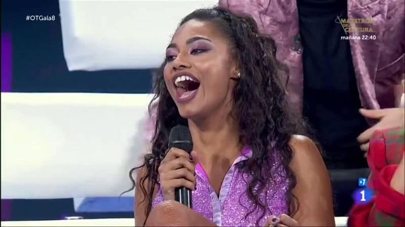 Nia recibe la noticia de que Kike Santander producirá su single