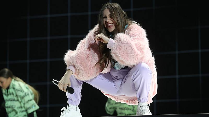 """Eva canta """"Bad Gay"""", de Billie Eilish, en la Gala 8 de Operación Triunfo 2020"""