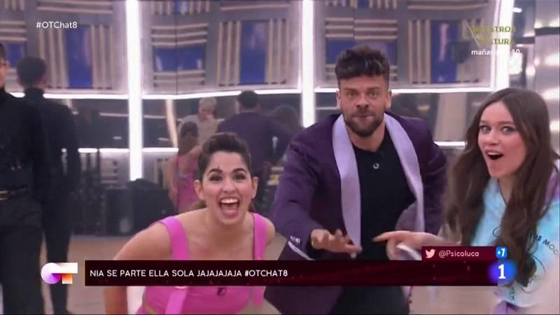 """Los chicos juegan a adivinar canciones en """"El Chat"""" de la Gala 8"""