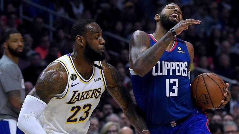 Los Lakers ganan el duelo angelino y se aseguran los playoffs