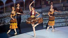 Prodigios 2 - Adriana Puértolas vuela sobre el escenario