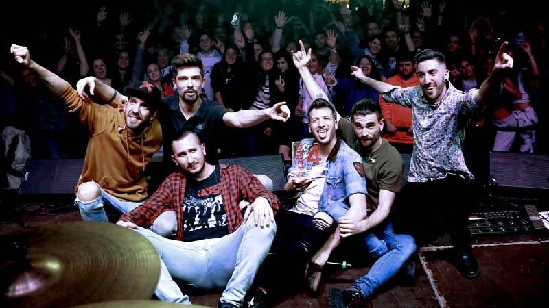 Porto Bello rep el premi Disc Català de l'Any en una festa a l'Antiga Fàbrica Estrella Damm