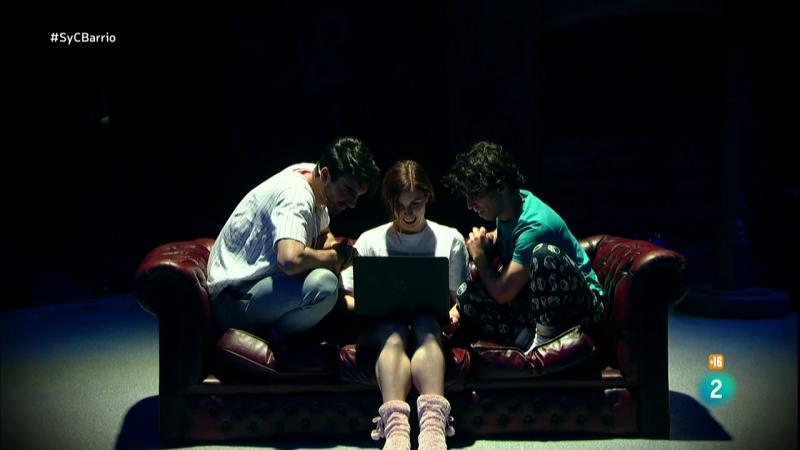 El mejor teatro en directo con La Joven y su obra 'Oferta'