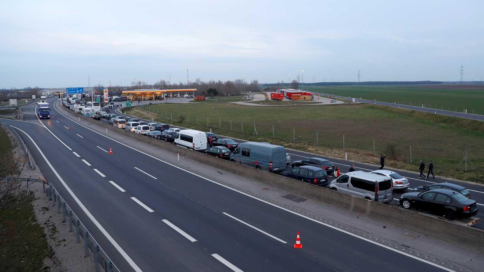 Los líderes de la UE acuerdan el cierre de fronteras exteriores durante 30 días