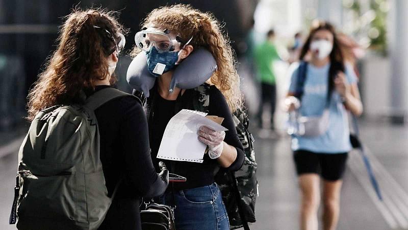 Muchos turistas españoles en el extranjero tratan de regresar a España por la situación del coronavirus