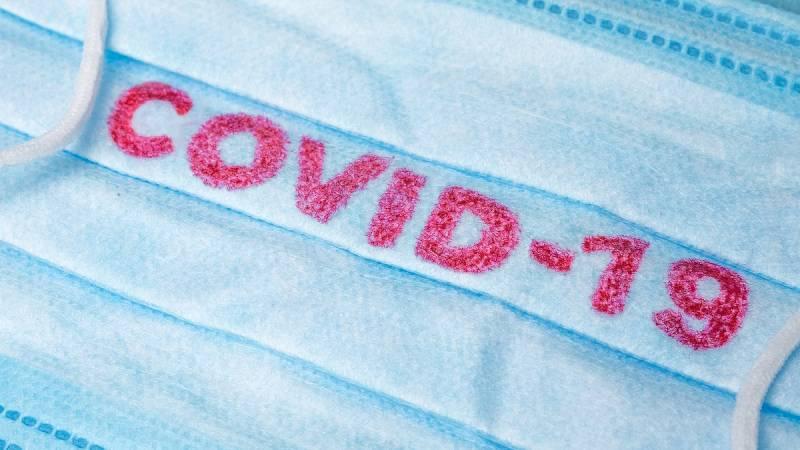 ¿Qué material se utiliza para hacer las atenciones médicas a domicilio por el coronavirus?