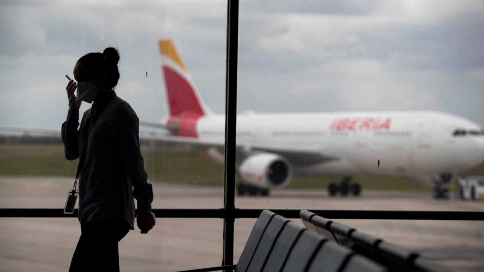 """Pedro Sánchez: """"Se aplicarán restricciones generalizadas a los viajes durante treinta días"""""""