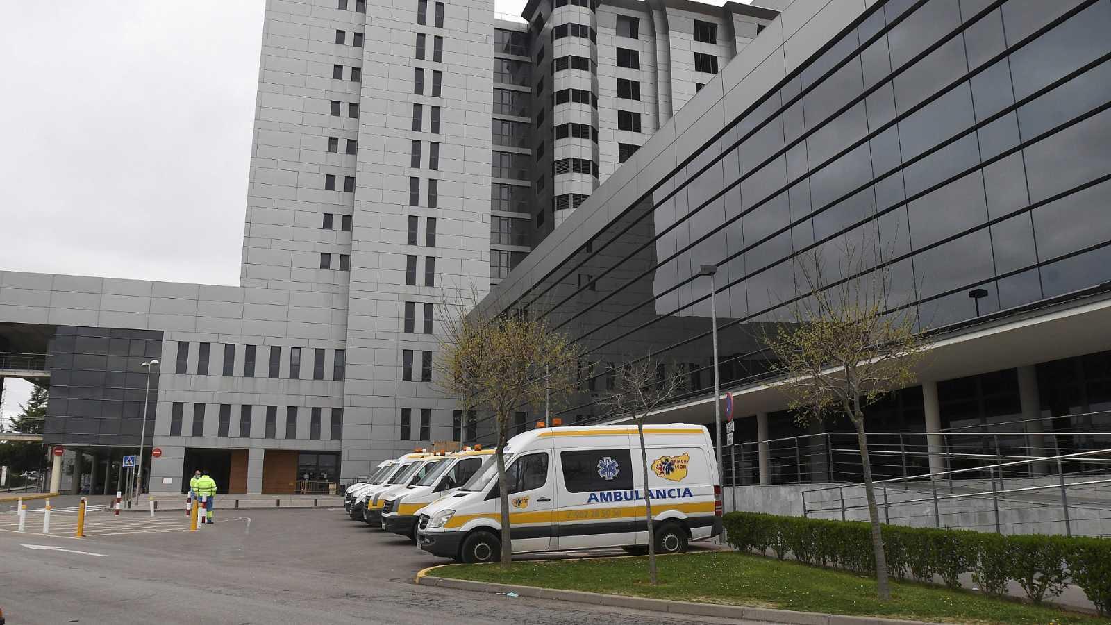 España registra casi 400 fallecimientos en un día pero baja el porcentaje de contagios