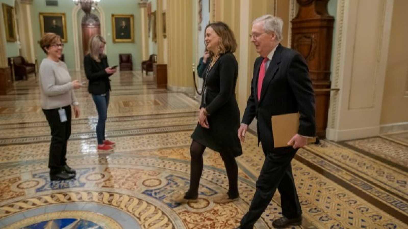 El Senado de Estados Unidos aprueba por unanimidad el mayor plan de estímulo económico de su historia
