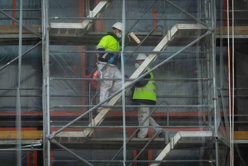 Los sindicatos calculan que, además de los ERTES, hay ya más de un millón de despidos