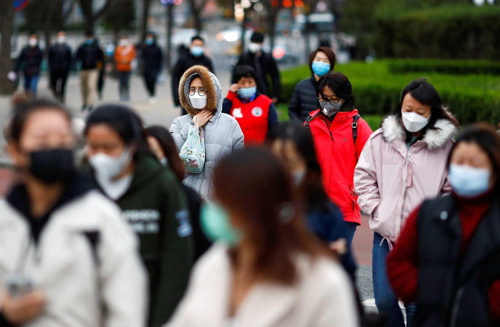 China cierra sus fronteras para evitar un repunte de contagios por coronavirus