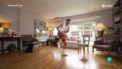 ¡Calentamos con movimientos de baile y de combate!