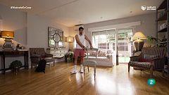 Ejercicios de sentadillas con una silla | Muévete en Casa