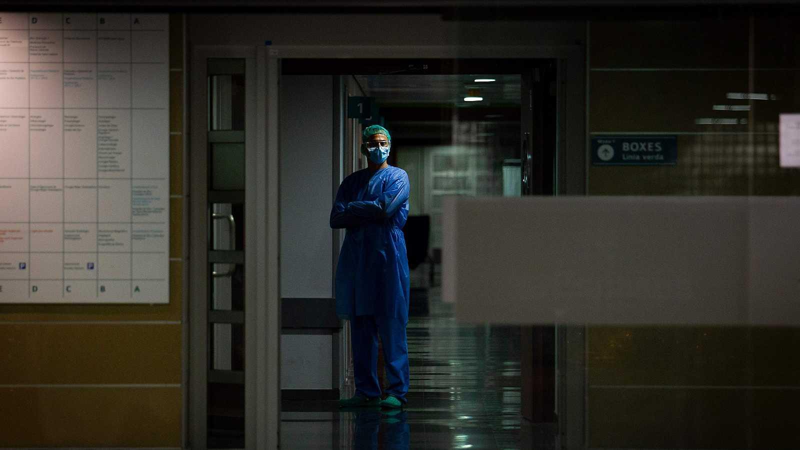 """Sanidad confirma casi 9.500 sanitarios contagiados por coronavirus : """"Es una de las preocupaciones más importantes"""""""