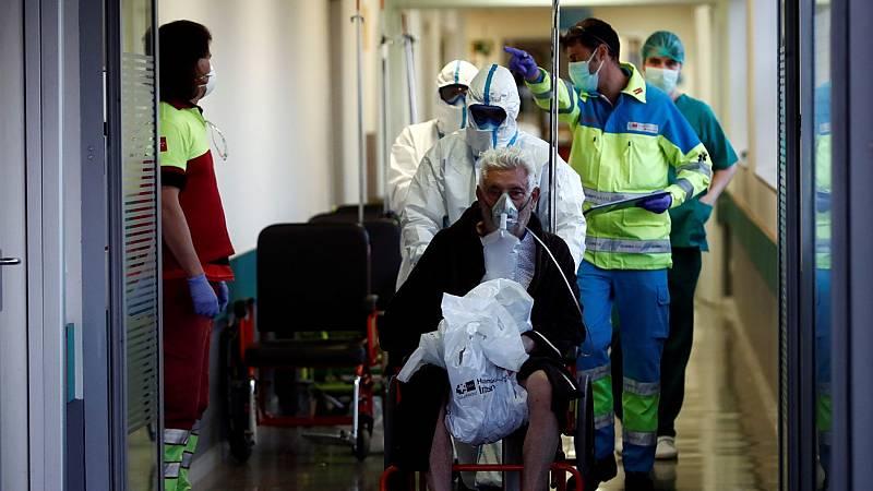 España registra el mayor número de muertes con coronavirus en un día, pero el menor número de contagios