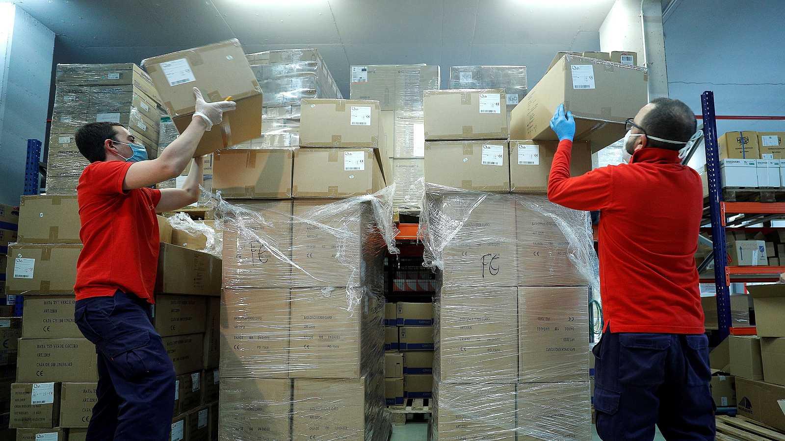 El ministro de Sanidad, Salvador Illa, ha señalado que el Gobierno ya ha cerrado contratos con proveedores por una cifra de 578 millones de euros para adquirir material sanitario necesario en la lucha contra el coronavirus. El pasado miércoles, Illa
