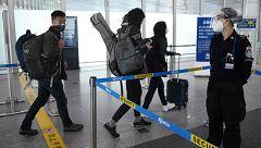 China prohíbe la entrada de extranjeros en el país por el coronavirus