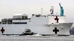 Llega a Nueva York el buque prometido por Trump de ayuda contra el coronavirus