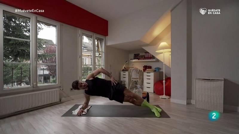 Muévete en casa - ¡Fortalece los abdominales obliquos con planchas laterales!