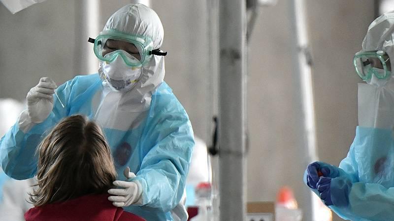 """La directora de Salud Pública de la Organización Mundial de la Salud, María Neira, cree que las cifras de cómo está evolucionando al epidemia en España son buenas y confía en que la situación """"vaya mejorando día a día"""". Cree que es muy importante la"""