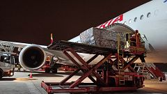 Llegan a Madrid dos aviones cargados con material sanitario de China y Turquía