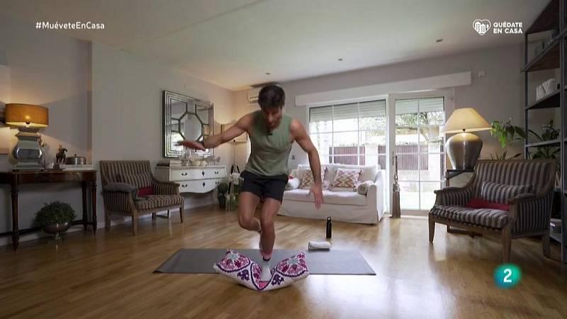 Muévete en casa - ¡Previene las caídas trabajando el equilibrio!