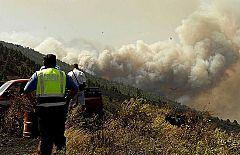 Declarado un conato de incendio en Valle Gran Rey, en La Gomera mientras sigue activo el de La Palma
