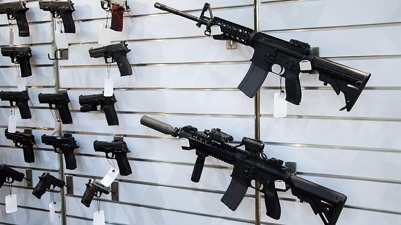 """Coronavirus: La venta de armas, negocio """"esencial"""" que permanece abierto en EE.UU."""