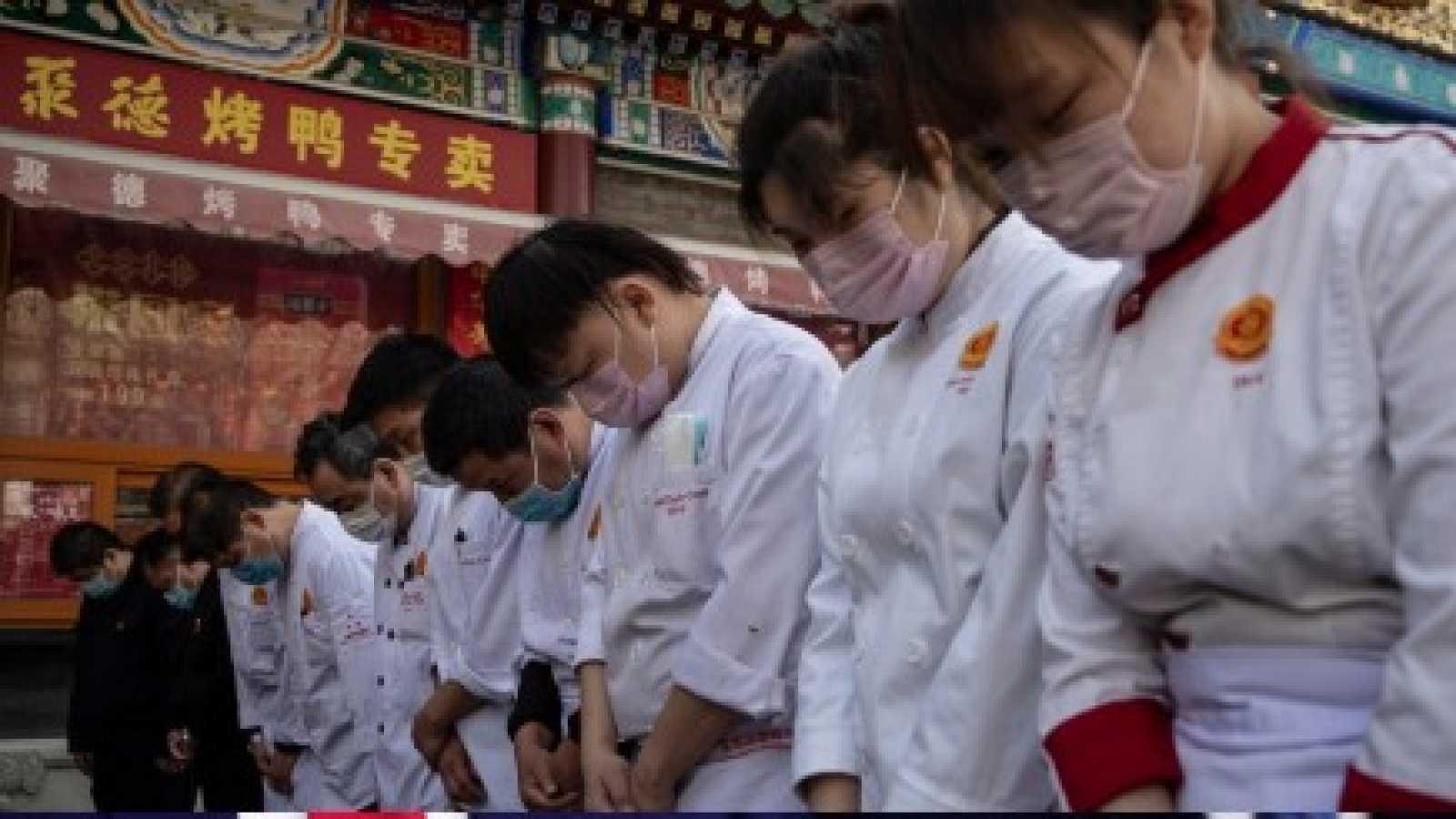 China rinde homenaje a las más de 3.300 víctimas de la pandemia del coronavirus