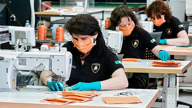 Vídeo: Lamborghini, Prada y Armani, entre otros, se reinventan fabricando mascarillas en Italia